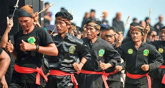 Asal Usul dan Sejarah Debus di Banten | Seni Tradisional Banten